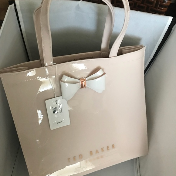 f0271749d2 Ted Baker London shopping bag. M_5a71fe12739d48d1b3372cc0. Other Bags ...